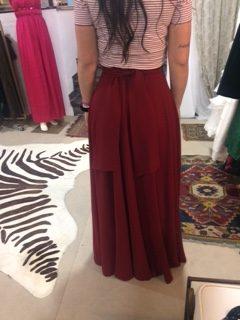 Falda roja parte trasera